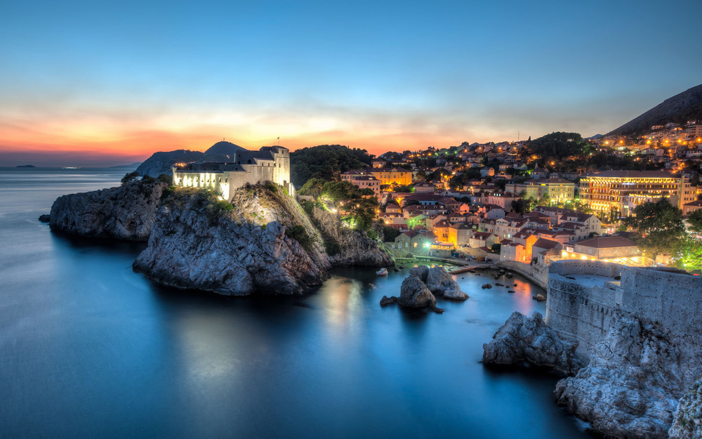 croatia-dubrovnik-sea-cliff-night-world.jpg